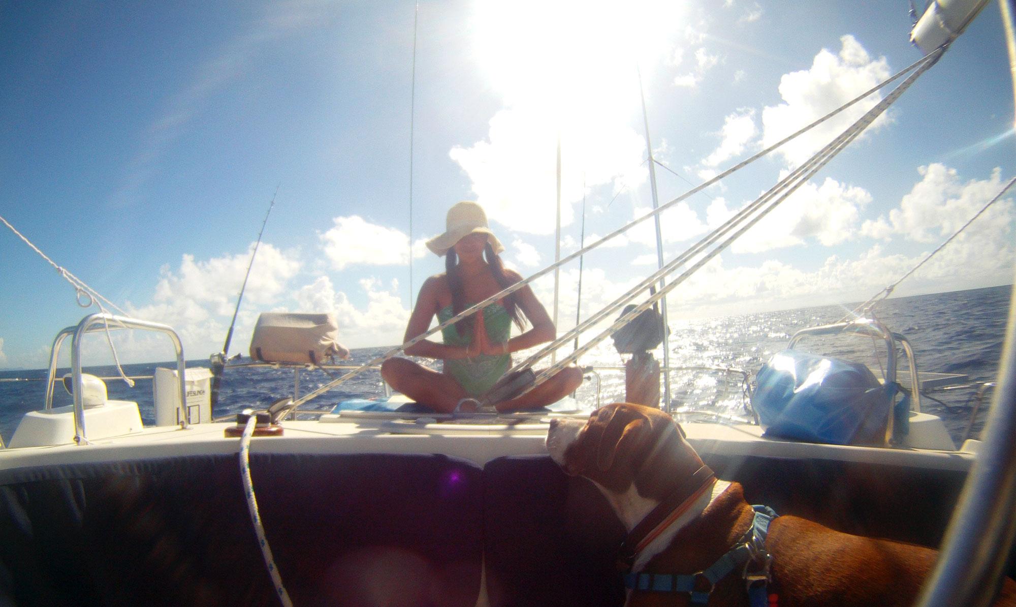 SeaUs-Sailing-Yoga